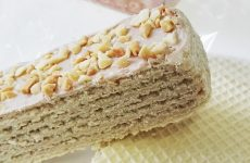 Как приготовить сладкий вафельный торт, а как закусочный — 9 рецептов