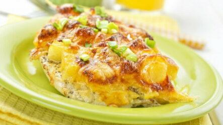Куриная грудка, запеченная с сыром и ананасами — 6 рецептов с фото