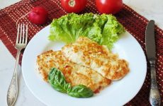 Сочные и самые вкусные отбивные из куриной грудки— 9 рецептов