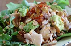 Пикантный салат с копченой куриной грудкой— 8 рецептов с фото