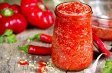 Самая вкусная аджика по классическим рецептам — 6 вариантов приготовления