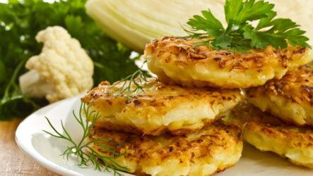 9 простых рецептов, как приготовить оладьи из капусты на завтрак