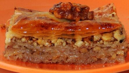 Пахлава с орехами — 7 сладких рецептов с медом и изюмом