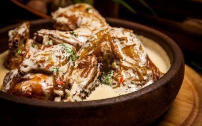 Курица в чесночном соусе— 7 ярких рецептов