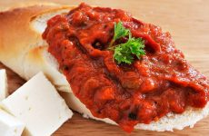 Лютеница— 8 рецептов, как приготовить знаменитый болгарский соус