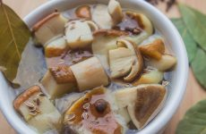 Маринад для грибов на зиму — 7 универсальных рецептов