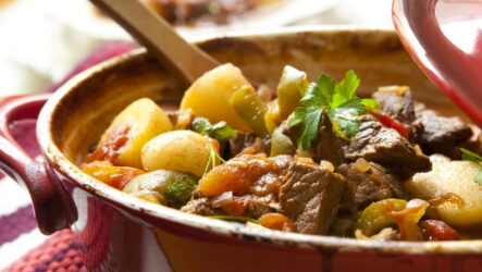 Говядина в горшочках — 8 рецептов для семейного ужина