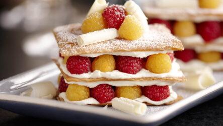 Мильфей — 8 восхитительных рецептов десерта из Франции