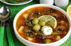 Солянка с картошкой— 7 быстрых оригинальных рецептов
