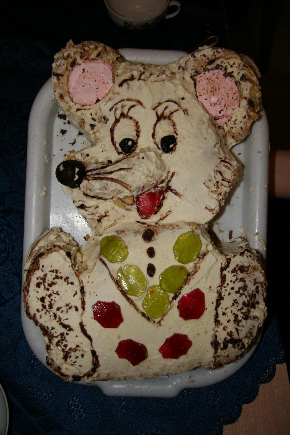 И завершая подборку супер-креативный торт! Даже зубы есть!