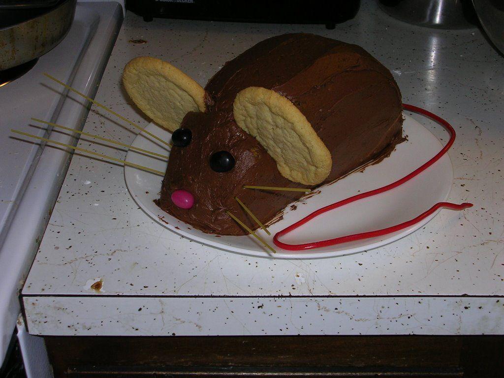 А с таким оформлением торта справится каждая из нас!
