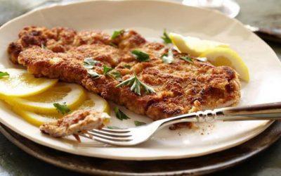 Шницель на сковороде— 8 сытных рецептов на любой вкус