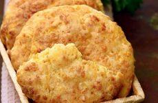 Сырные лепешки в духовке— 8 классных рецептов с фото
