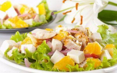 Куриный салат с сыром — 10 праздничных рецептов пошагово