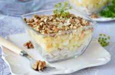Салат из куриной грудки с сыром— 9 пошаговых рецептов на каждый день