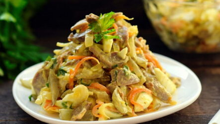 Салат из куриных желудков — 9 простых и сытных рецептов