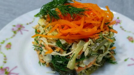 Салат Лисичка — 8 рецептов праздничного яркого угощения