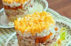 Салат из сайры — 7 незаменимых пошаговых рецептов