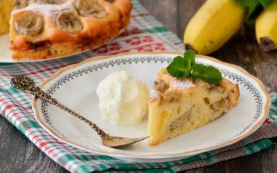 Шарлотка с бананами— 8 оригинальных и простых рецептов к чаю