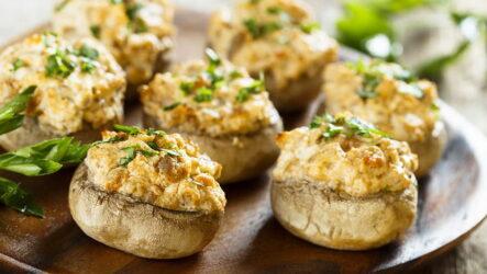 Шампиньоны с плавленым сыром — 7 рецептов на любой вкус