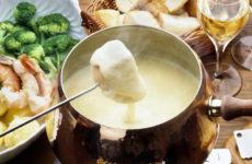 Сырное фондю — 7 фото-рецептов оригинального угощения