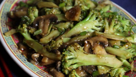 Брокколи с грибами — 8 рецептов прекрасного легкого ужина