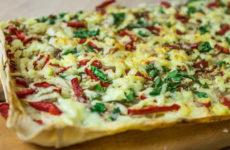 Пицца из лаваша в духовке — 8 ленивых и простых рецептов
