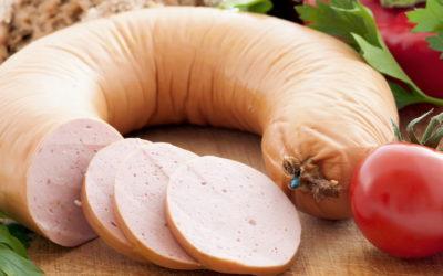 Домашняя вареная колбаса — 7 подробных пошаговых рецептов