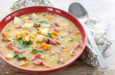 Гороховый суп с колбасой — 6 сытных и простых рецептов