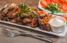 Куриные шейки — 8 простых и бюджетных рецептов