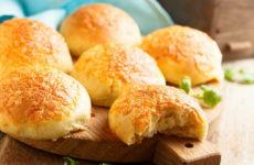 Булочки с сыром — 8 рецептов выпечки для всей семьи