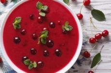 Фруктовый суп — 8 освежающих рецептов к обеду