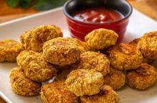 Наггетсы в духовке — 7 рецептов закуски в домашних условиях