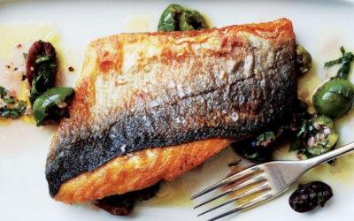 Готовим рыбу с хрустящей корочкой в духовке и на сковороде — 7 рецептов