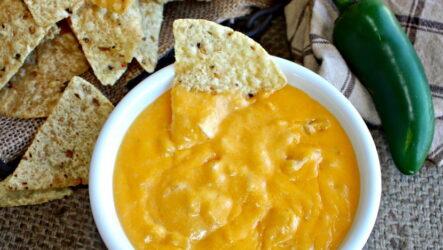 Соус для начос — 6 рецептов и идей для подачи чипсов