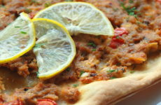 Лахмаджун — 7 рецептов пиццы по-турецки
