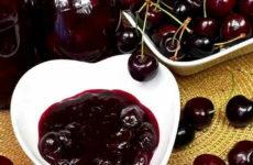 Вишня в желатине — 6 рецептов готового десерта на зиму