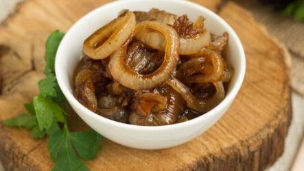 Карамелизированный лук — 8 классных домашних рецептов
