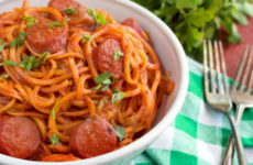Макароны с колбасой — 7 простых рецептов на каждый день