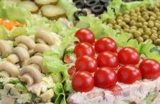 Быстрый праздничный салат — 8 рецептов, как удивить гостей