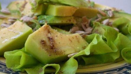 Быстрый салат с авокадо — 8 простых рецептов