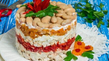 Салат с курицей слоями — 8 рецептов на праздничный стол