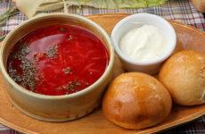 Борщ с пампушками — 7 отличных украинских рецептов