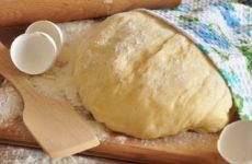 Быстрое тесто для пирожков на молоке — 6 простых рецептов