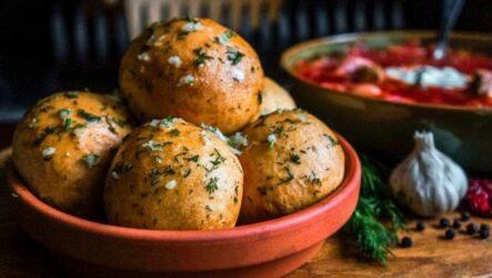 Чесночные пампушки — 6 рецептов к борщу