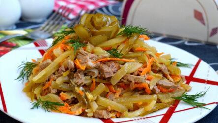 Салат Обжорка с огурцами — 7 сытных рецептов
