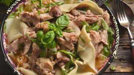Бешбармак из свинины — 6 рецептов сытного блюда