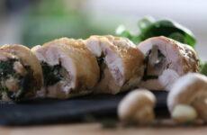 Рулетики из куриной грудки с грибами — 7 фото-рецептов