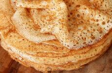 Ажурные блины на кефире — 7 рецептов на Масленицу