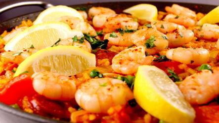 Паэлья с креветками — 7 рецептов испанской кухни